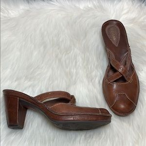 Clarks Artisan Brown Leather Mules Size 6.5